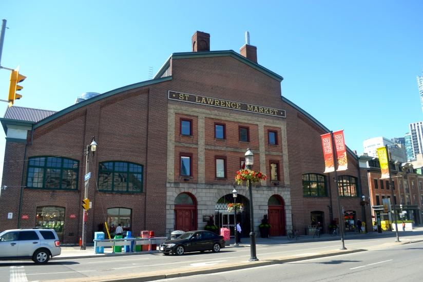 10 Razões Para Visitar o St. Lawrence Market emToronto